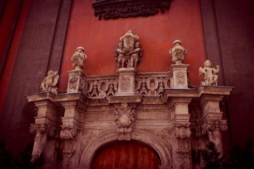 glance of the Art Nouveau architecture of the city's buildings