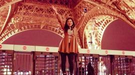 Eiffel Tower / @poshtosh