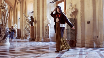 Musee de Louvre / Outfit: Malus Marcoo and Five and Diamond