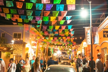 Gallery District's Art walk nights